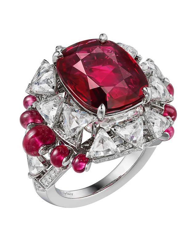 Бриллиантовый свет Cartier в рубиновом кольце Phaan