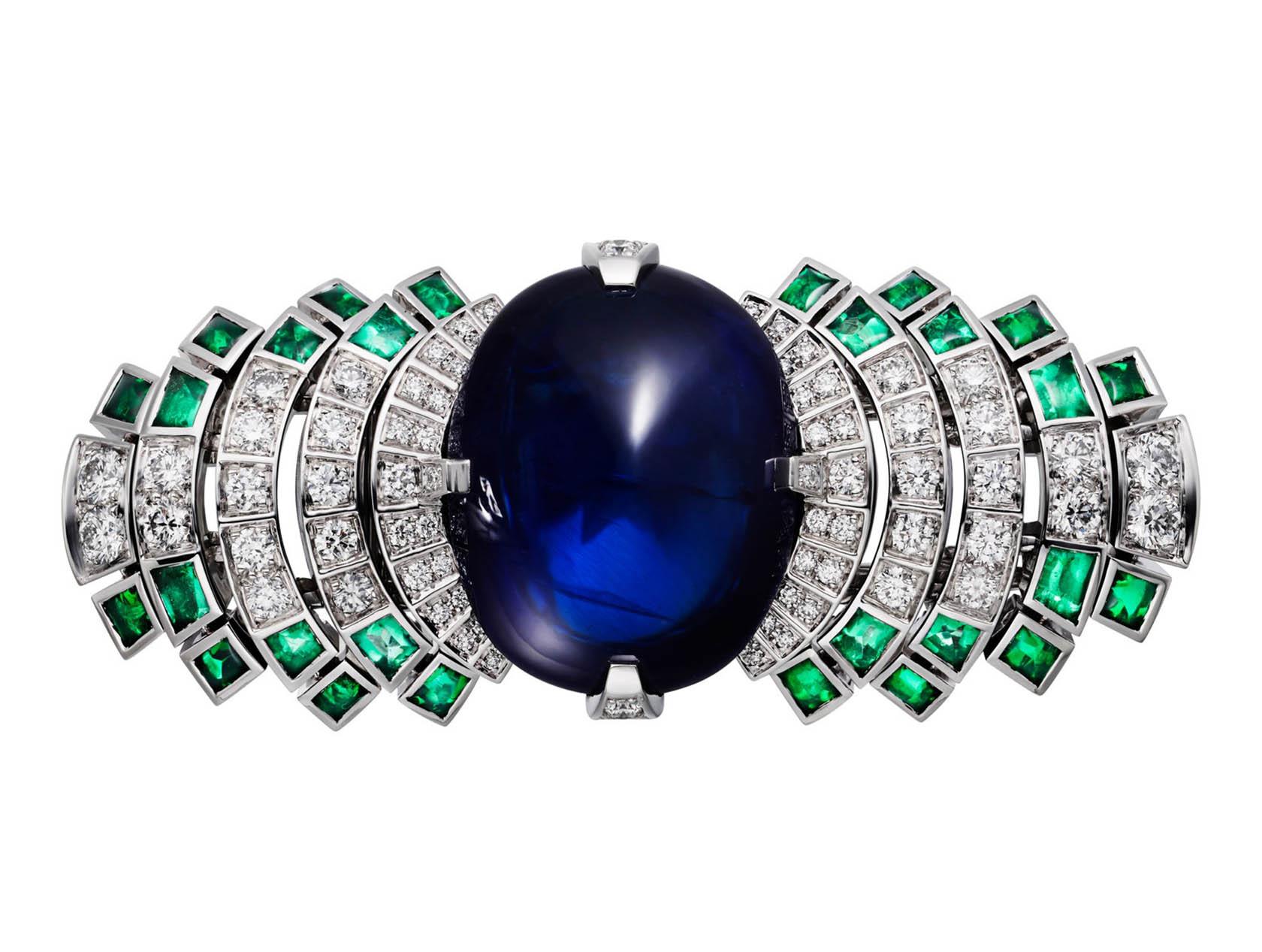 Кольцо Cartier Parhelia, сапфиры бриллианты изумруды. Вид сверху