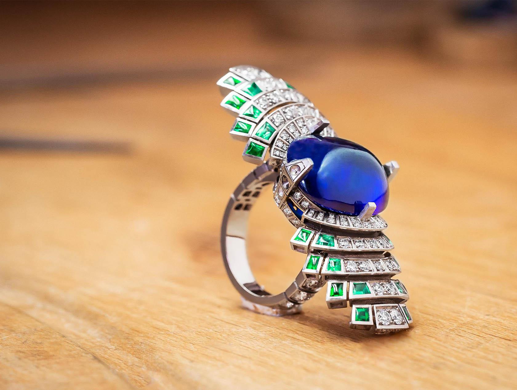 Кольцо Cartier Parhelia в процессе изготовления и закрепки бриллиантов
